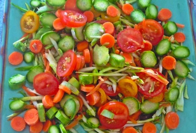 Salada de legumes crús