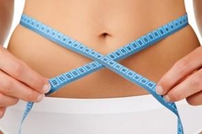 mulher-mede-a-cintura-com-uma-fita-metrica-1288381886282_540x300